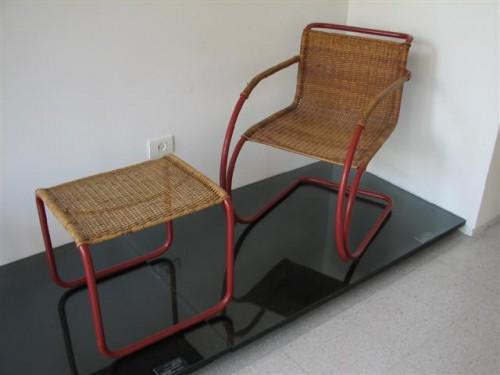 rattan_bauhaus_chair_and_footrest