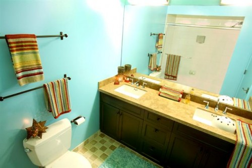 Turquoise_Bathroom
