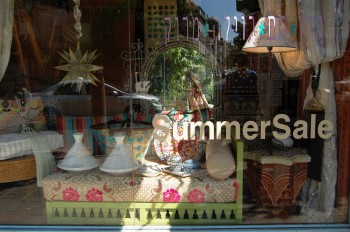 Villa Maroc window display