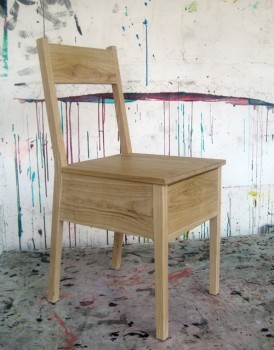 chair-closed_v3