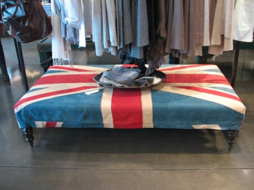 Union_jack_slipcovered_bench