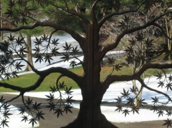 Iron_gate_tree 2