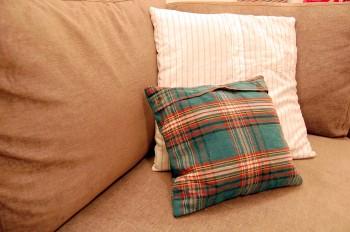 Model-cushions-2